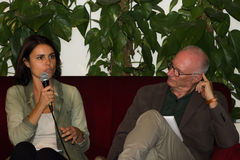 18/10/2014 lecce马尔塞洛favale采访simona bonafe和pao 库存图片