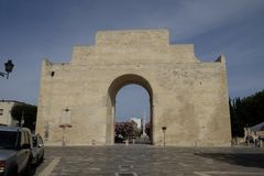 Lecce Apulia, den triumf- bågen på Porta Napoli Royaltyfria Foton