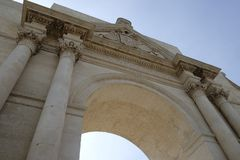 Lecce, Apulia, o arco triunfal em Porta Napoli Fotografia de Stock Royalty Free