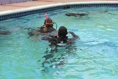 Lección del buceo con escafandra Imagen de archivo libre de regalías