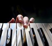 Lección o examen nerviosa de piano Imagenes de archivo