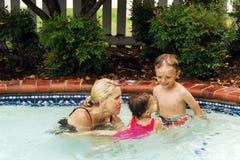 Lecciones de la natación Fotografía de archivo