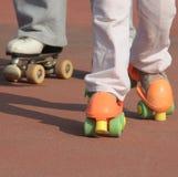 Lecciones del patín de ruedas Foto de archivo libre de regalías