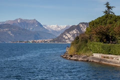 LECCO, ITALY/EUROPE - PAŹDZIERNIK 29: Widok Jeziorny Como od Lecco zdjęcia royalty free