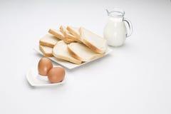 Leche del pan de la tostada del huevo Imagen de archivo libre de regalías