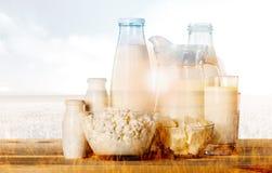 Leche, vidrio, botella de leche fotografía de archivo