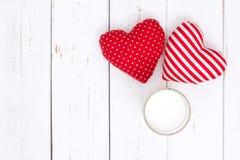 Leche y corazón rojo Imagen de archivo libre de regalías