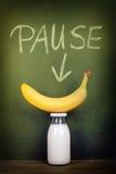 Leche y plátano imagenes de archivo
