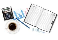 Lechería-libro, taza de café y fuentes de oficina. Foto de archivo libre de regalías