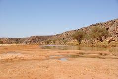 Lecho de un río seco en Libia Imagen de archivo