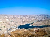 Lecho de un río seco Mujib - camino de s del rey ', Jordania Fotografía de archivo libre de regalías