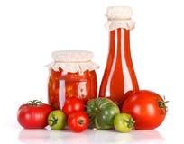 Lecho i ketchup w szklanym słoju fotografia royalty free