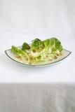 Lechuga de Romaine de la ensalada con la preparación del rancho Foto de archivo