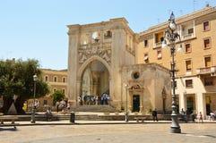 LECKA WŁOCHY, SIERPIEŃ, - 2, 2017: Sedile pałac i Świątobliwy Mark kościół w Sant ` Oronzo kwadracie, Lecka, Apulia, Włochy Obrazy Stock