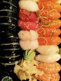 Leckere Sushi-geschmackvolles frisches Lizenzfreie Stockfotos