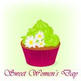 Leckerer kleiner Kuchen für internationalen Frauen ` s Tag mit Kamille blüht Feiertagshintergrund-, -plakat- oder -plakatschablon Stockbild