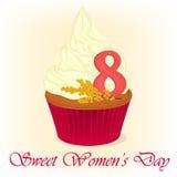 Leckerer kleiner Kuchen für internationalen Frauen ` s Tag mit Mimose blüht Feiertagshintergrund-, -plakat- oder -plakatschablone Stockfotografie