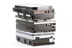Lecteurs de disque dur sur le fond blanc Image libre de droits