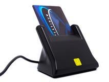 Lector aislado, concepto de la tarjeta de crédito del pirata informático de Scammer Imagen de archivo