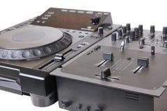 Lector de cd y mezclador de DJ Fotos de archivo libres de regalías