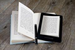 Lector de Ebook Imagen de archivo libre de regalías