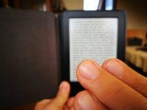 Lectura de EBook Foto de archivo libre de regalías