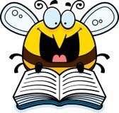 Lectura de la abeja de la historieta Imágenes de archivo libres de regalías