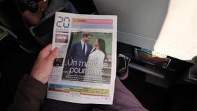 Lectura del hombre en tren de la SNCF sobre la boda real