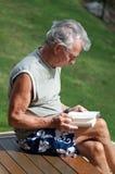Lectura del verano imágenes de archivo libres de regalías