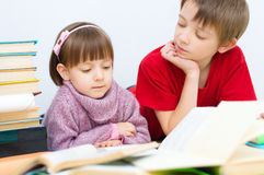 Lecture d'enfants Photographie stock