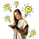 Lecture de fille Image libre de droits