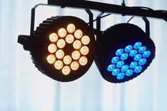LED forstage专业照明设备上色了 迪斯科的被带领的光 免版税库存图片