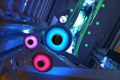 LED moderne allumant l'interrior commercial de plaza de l'immeuble de bureaux moderne, hall moderne de bâtiment d'affaires, bâtim Photos stock