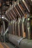 leda i rör för fabriksmaskiner Royaltyfri Fotografi