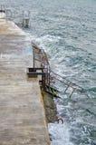 ledande havstrappa till arkivfoto