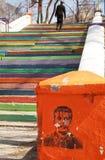 Ledare KHABAROVSK, RUSIIA - APRIL 18, 2014 för tidigare USSR: För ledareJoseph StaJoseph Stalin för tidigare USSR stående grafitt Arkivfoton