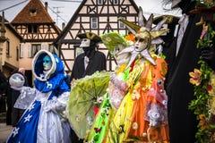 Ledare 4 mars 2017: Rosheim Frankrike: Venetian karnevalmaskering Arkivfoto