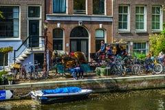 Ledare: 7th Maj 2017: Amsterdam Holland: Solig dag för vår in Arkivbild