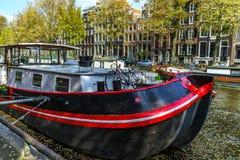 Ledare: 7th Maj 2017: Amsterdam Holland: Solig dag för vår in Arkivbilder