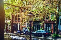 Ledare: 7th Maj 2017: Amsterdam Holland: Solig dag för vår in Arkivfoton