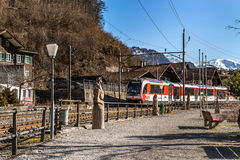 Ledare: 16th mars 2017: Brienz Schweiz Arkivfoto