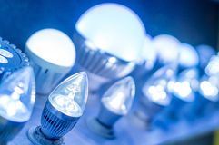 LEDD blå ljus ljust kula Arkivbilder