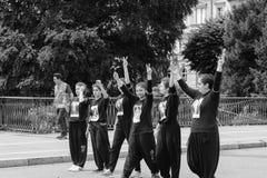 Leden van het communautaire protesteren van Turkije ` s Alevi - meisjes met peac Royalty-vrije Stock Foto's