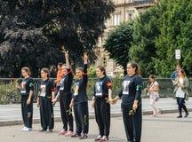 Leden van het communautaire protesteren van Turkije ` s Alevi - meisjes met peac Royalty-vrije Stock Fotografie