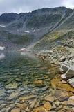 Ledenoto Ice湖和穆萨拉峰锐化, Rila山 免版税库存图片