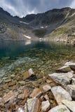 Ledenoto & x28; Ice& x29; Озеро и пик Musala, гора Rila Стоковые Фото