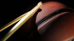 Lederne Basketballdunkelheits-Hintergrundtrommel haftet niemand hd Gesamtlänge stock video
