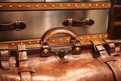 Lederne Koffernahaufnahme Stockbild