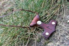 Ledernes keychain Mjollnir Stockfoto
