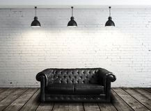Ledernes Sofa im Raum Stockfotos